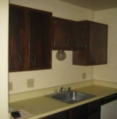 6924 W Hampton Ave APT 203, Milwaukee, WI 53218