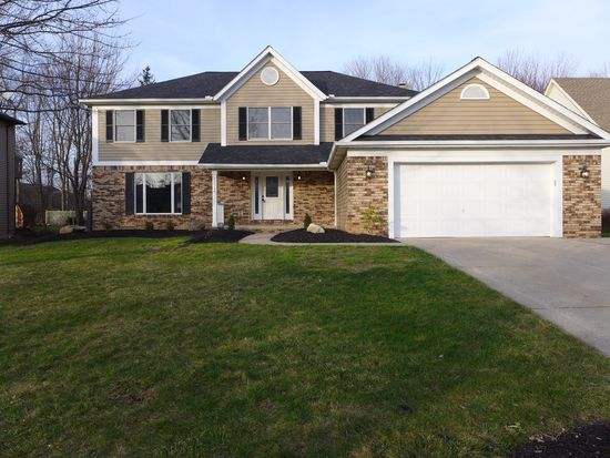 13916 Blackberry Cir, Strongsville, OH 44136