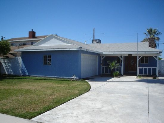 8715 Rincon Ave, Sun Valley, CA 91352