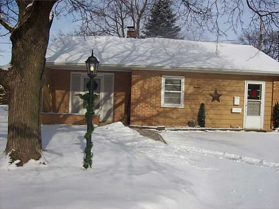1681 8th St, Marion, IA 52302