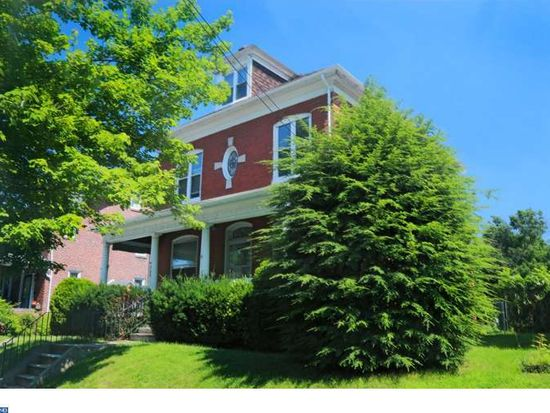 305 Summit St, West Reading, PA 19611
