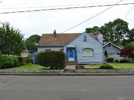 365 E Berkeley St, Gladstone, OR 97027