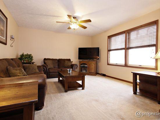 35700 Linden Ln, Custer Park, IL 60481