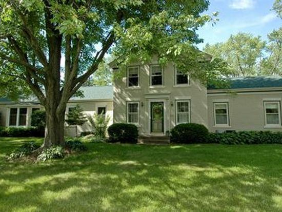 13016 Charles Rd, Woodstock, IL 60098