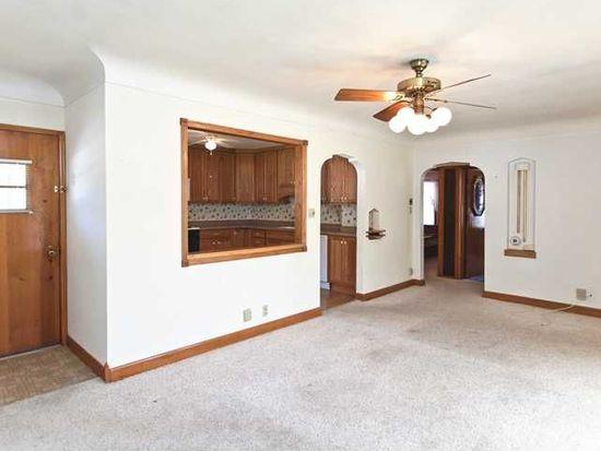 357 20th St NW, Cedar Rapids, IA 52405