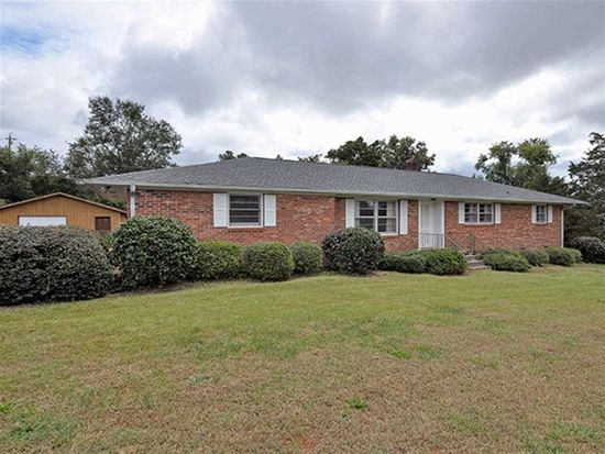 611 Holly Hill Dr, Anderson, SC 29621