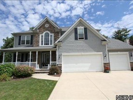 12101 Summerwood Dr, Painesville, OH 44077