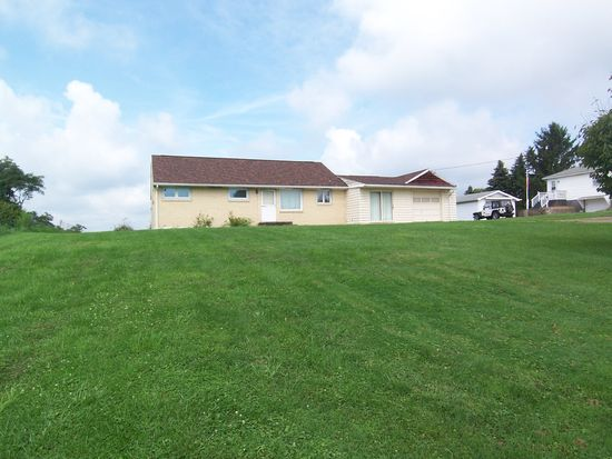 9 Williams Dr, West Newton, PA 15089