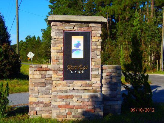 1030 Ratcliff Lake Dr, Brunswick, GA 31523