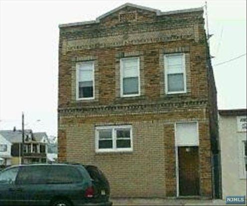 79 Jewell St, Garfield, NJ 07026