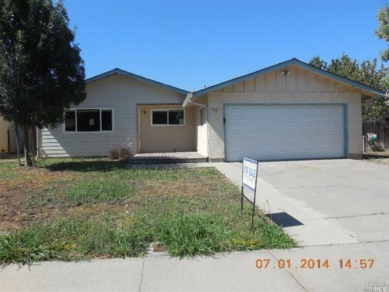 215 Albany Ave, Vacaville, CA 95687