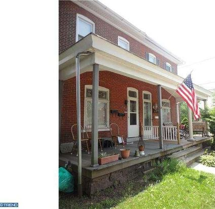 438 W 4th St, East Greenville, PA 18041