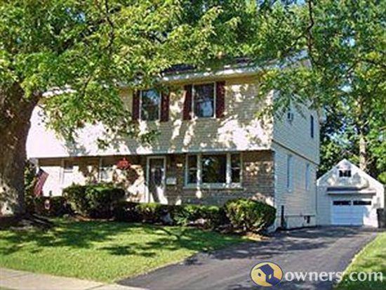 1445 Birch Dr, North Tonawanda, NY 14120