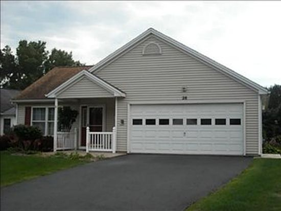 28 College Greene Dr, North Chili, NY 14514