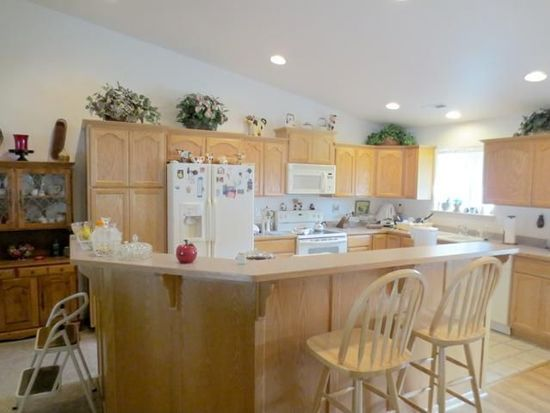 305 Outback Ln, Glendale, OR 97442