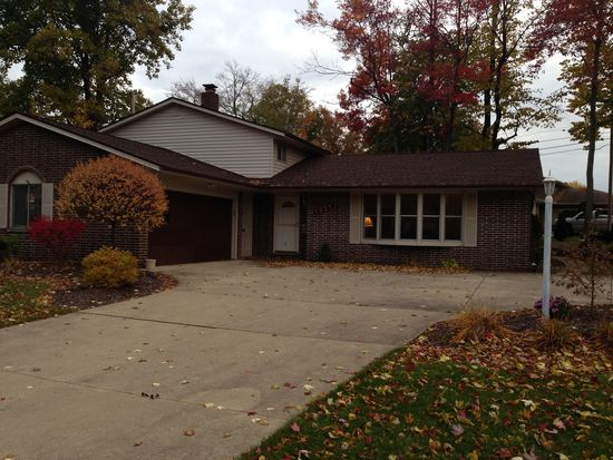 14351 Indian Creek Dr, Cleveland, OH 44130