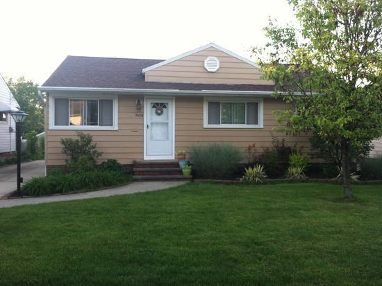 3606 Stanfield Dr, Parma, OH 44134