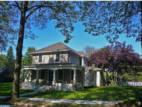 1323 Dauphin Ave, Wyomissing, PA 19610