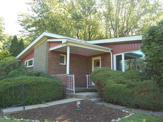 214 Blackridge Dr, Greensburg, PA 15601