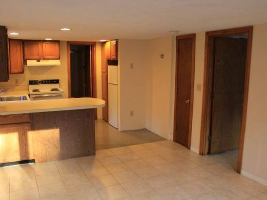 3 Constable Rd, Durham, NH 03824