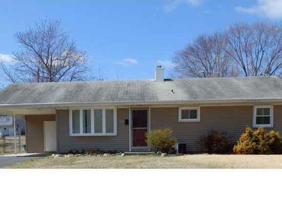 509 Parkway Dr, Fairless Hills, PA 19030