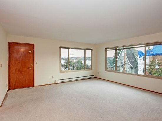 908 N 72nd St APT 6, Seattle, WA 98103