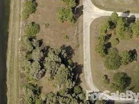 430 Pauline Ave, Lehigh Acres, FL 33974