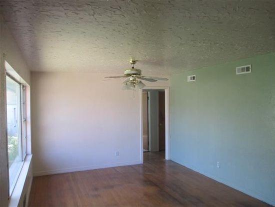 118 E Texas St, Walters, OK 73572