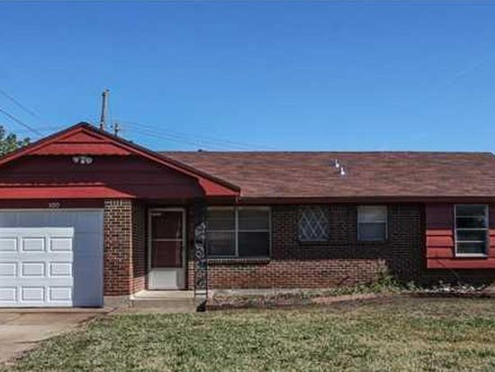 300 Arnold Ave, Moore, OK 73160