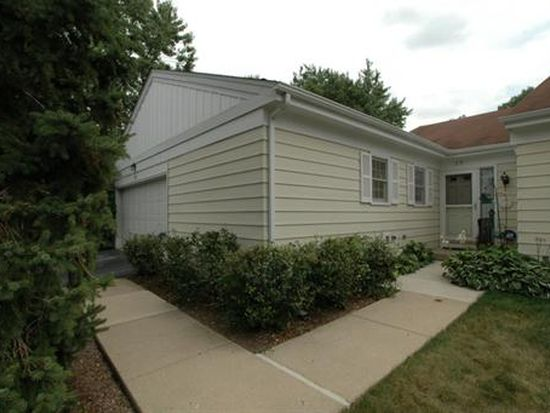 29 The Court Of Greenway, Northbrook, IL 60062