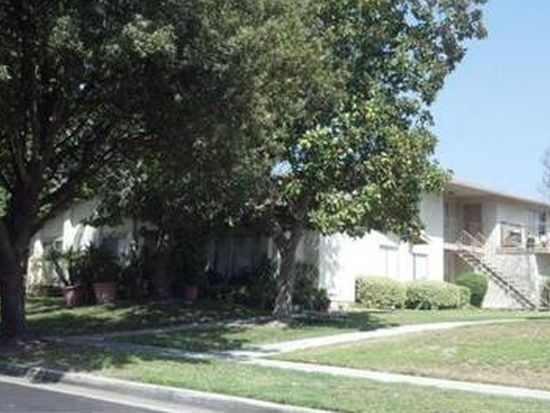 1128 Oxford Dr, Redlands, CA 92374