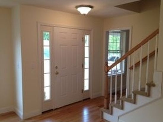 13 Whiting Ln, Mont Vernon, NH 03057