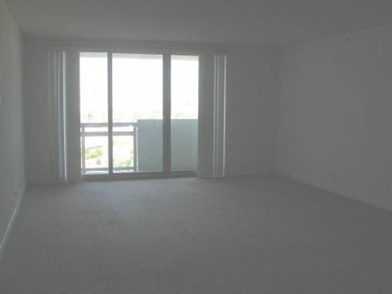 1500 Bay Rd APT 602, Miami, FL 33139