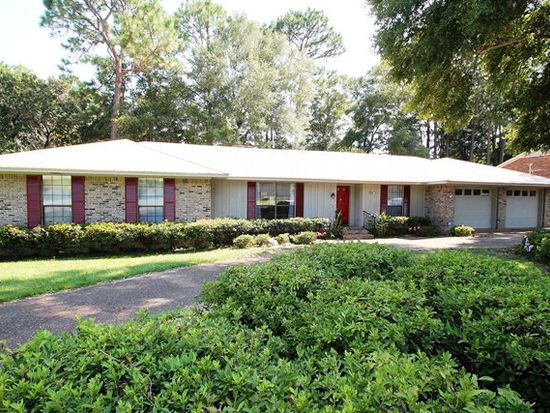 688 Greenwood Ave, Fairhope, AL 36532