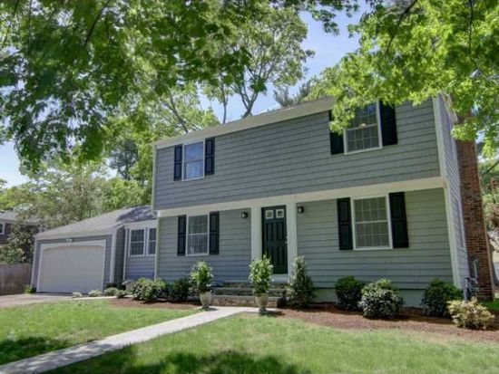 4 Rustwood Dr, Barrington, RI 02806