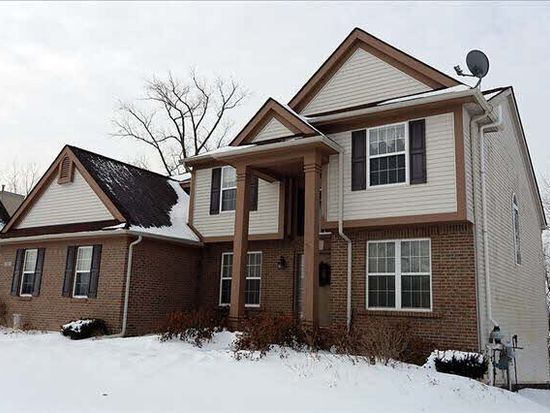 42907 Winding Pond Trl, Belleville, MI 48111