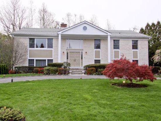 3 Gate House Ln, Mamaroneck, NY 10543