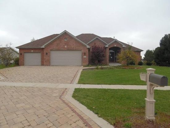 6599 Hartwig Dr, Cherry Valley, IL 61016