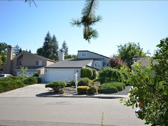353 Scarlet Oak Ct, Pleasant Hill, CA 94523