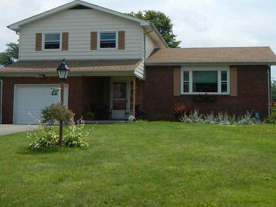 130 Todd Ave, Hermitage, PA 16148