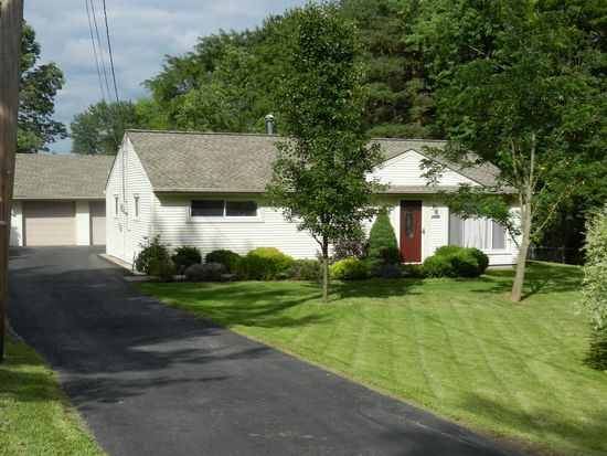 1713 Westwood Dr, Twinsburg, OH 44087