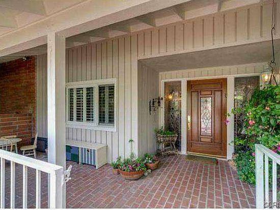 17544 Weddington St, Encino, CA 91316