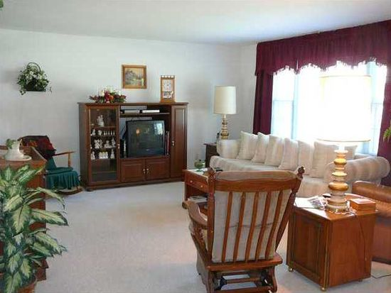 10251 Heather Hills Rd, Indianapolis, IN 46229
