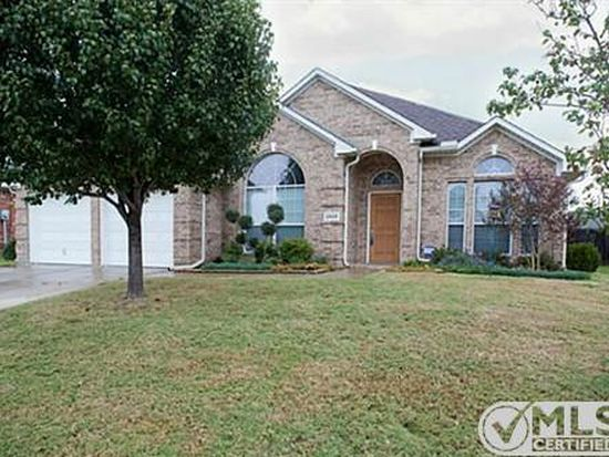 2928 Crystal Way, Grand Prairie, TX 75052