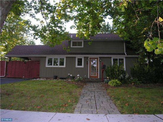 35 Inland Rd, Levittown, PA 19057