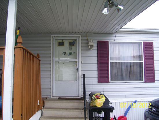 1250 Maplewood Ct, Lockport, NY 14094