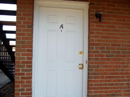 12 Pheasantwood Dr, Belleville, IL 62226