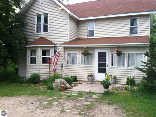 16250 Townline Rd, Williamsburg, MI 49690