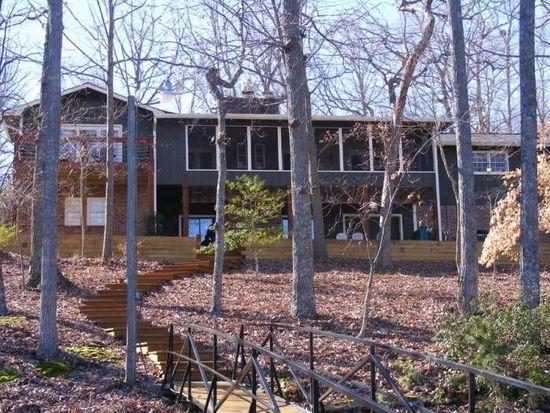 750 Ridgewood Dr, Hartwell, GA 30643