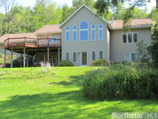 1205 Red Fox Dr, Red Wing, MN 55066
